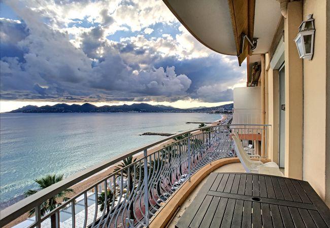 Appartement à Cannes - 062L REJ - Situation et vue mer exceptionnelle