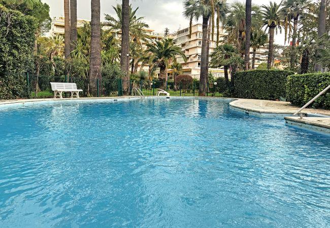 Studio à Cannes - 232L PY - Belles prestations, piscine, à 2 pas de