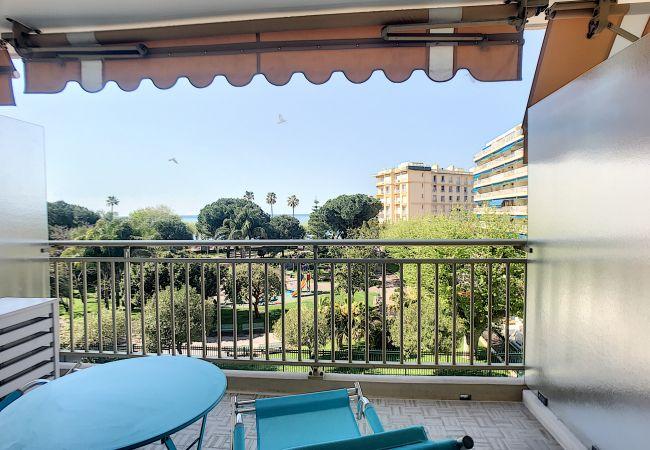 Appartement à Cannes - 246L BERV - Beau studio à 2 pas des plages du Midi