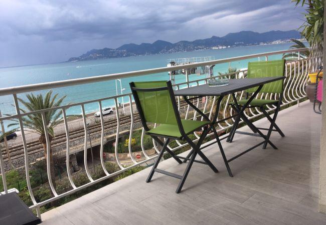 Appartement à Cannes - 249L SAL -  Superbe vue mer, bord des plagess