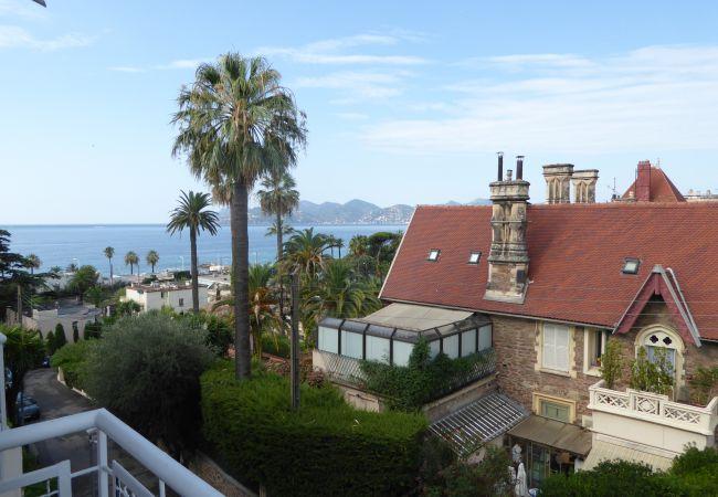 Apartment in Cannes - 221L UZAN - Bord de mer
