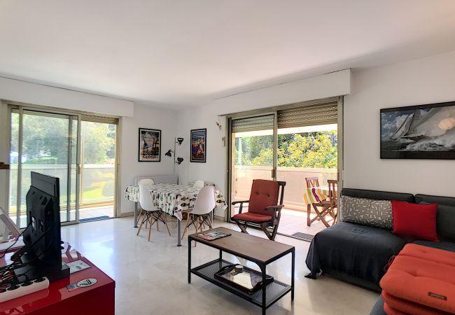 Apartment in Cannes - 253L BAUD -  Bord de mer et piscine