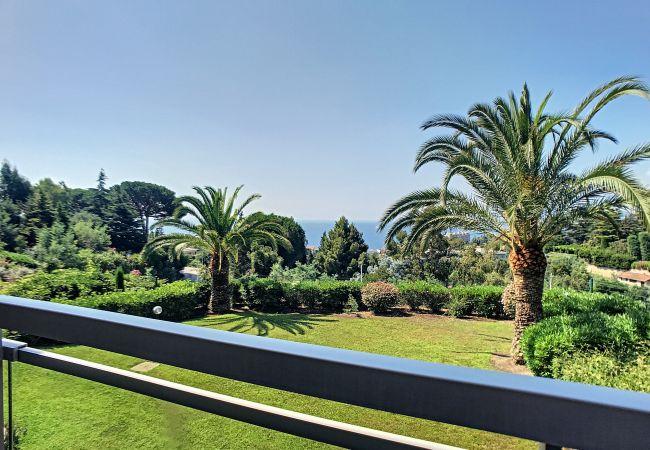 Apartment in Cannes - 255LCG - Grande terrasse, jolie vue mer, piscin